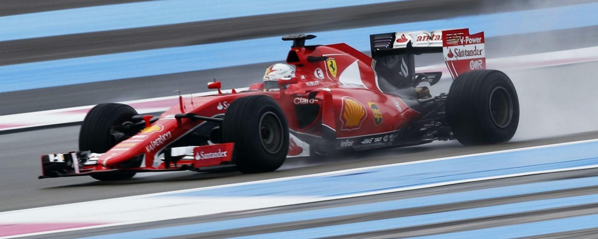 La Ferrari testa gli pneumatici Pirelli al Paul Ricard nel 2016