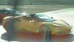 La Ferrrari SF90 Spider nel video con Sainz e Leclerc