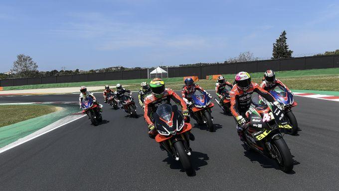 La festa Aprilia a Misano coi piloti MotoGP di oggi e ieri