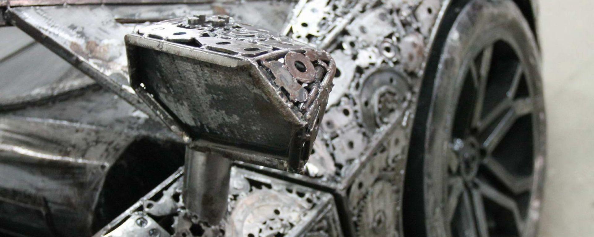 La Galeria Figur Stalowych ha un parco auto da favola: sono sculture realizzate con i rottami