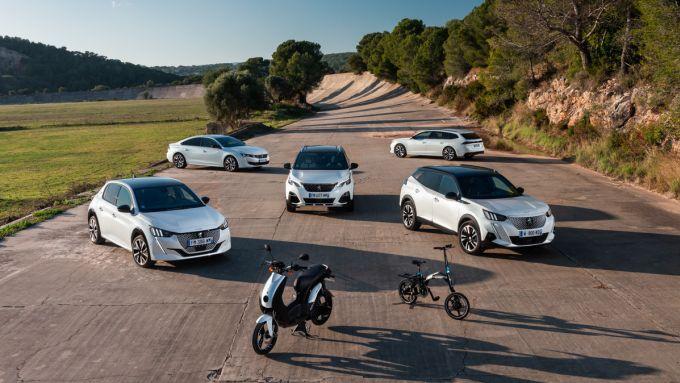 La gamma elettrificata di Peugeot