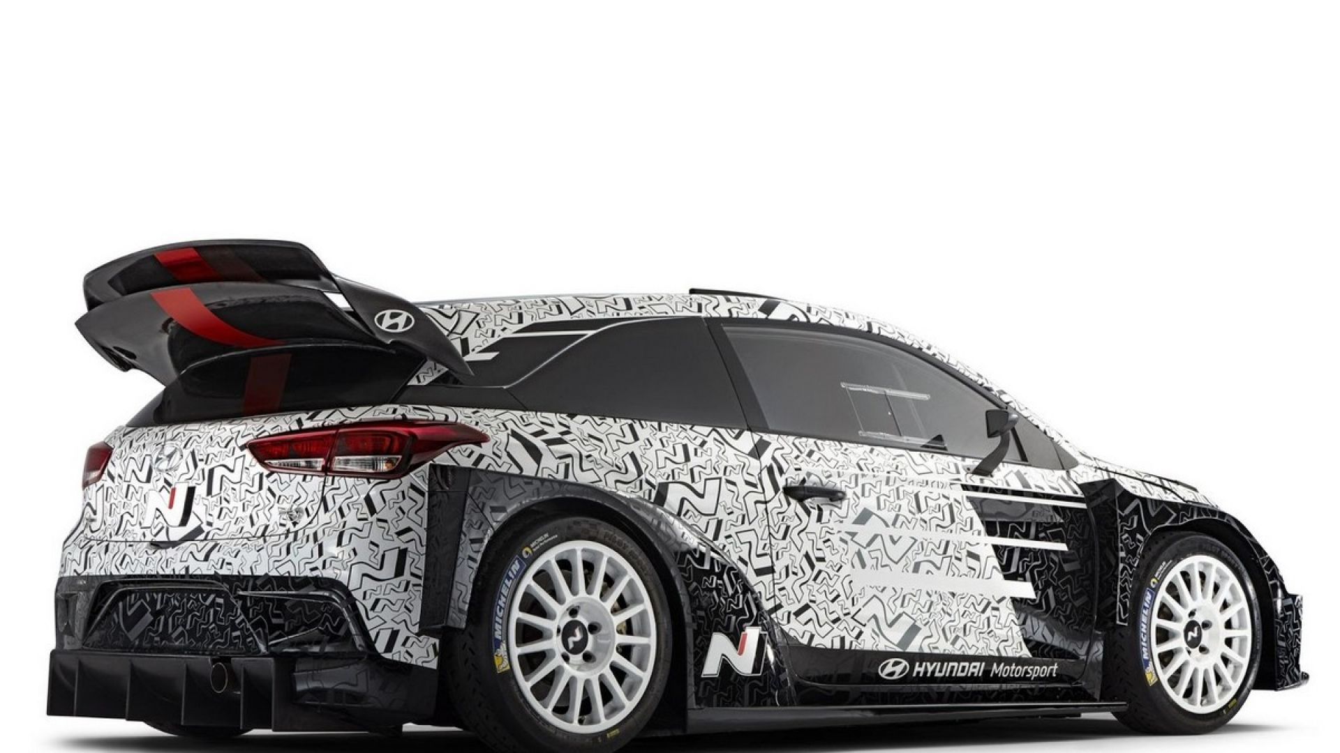 wrc 2017 hyundai presenter l 39 ultima vettura wrc 2017 al monza rally show motorbox. Black Bedroom Furniture Sets. Home Design Ideas