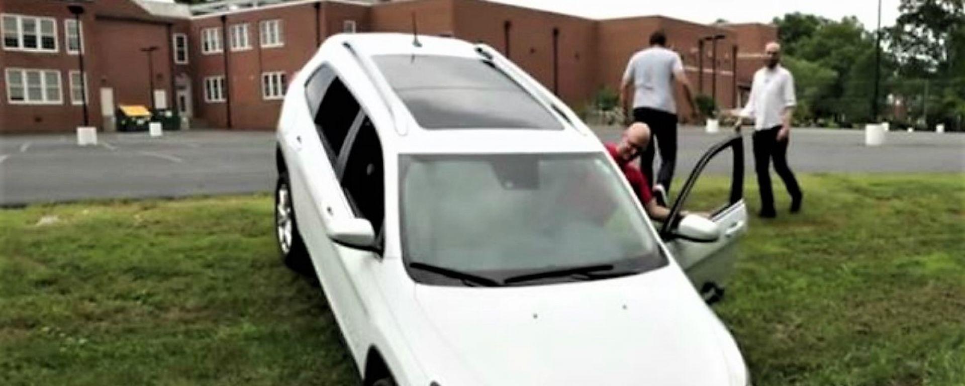 La Jeep Cherokee hackerata da Miller e Valasek