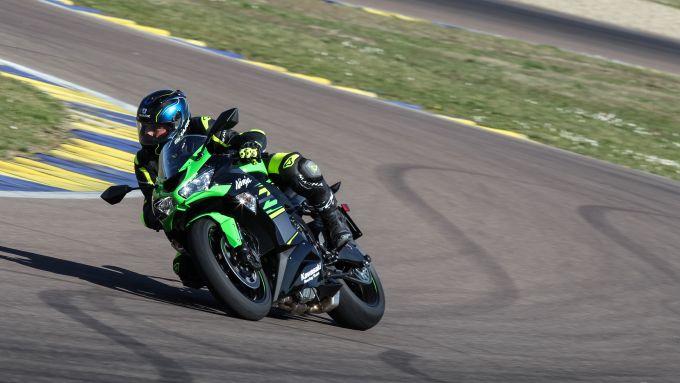 La Kawasaki Ninja ZX-6R 636 durante la nostra prova in pista. In sella: Danilo Chissalè