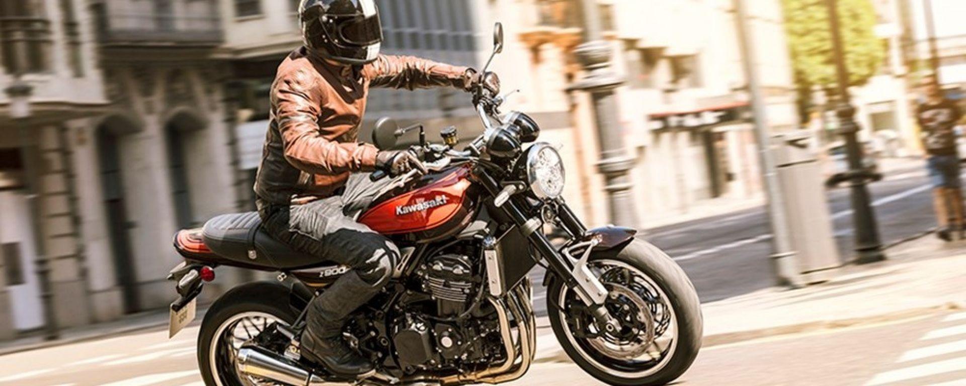 La Kawasaki Z900RS strizza l'occhio alla moda