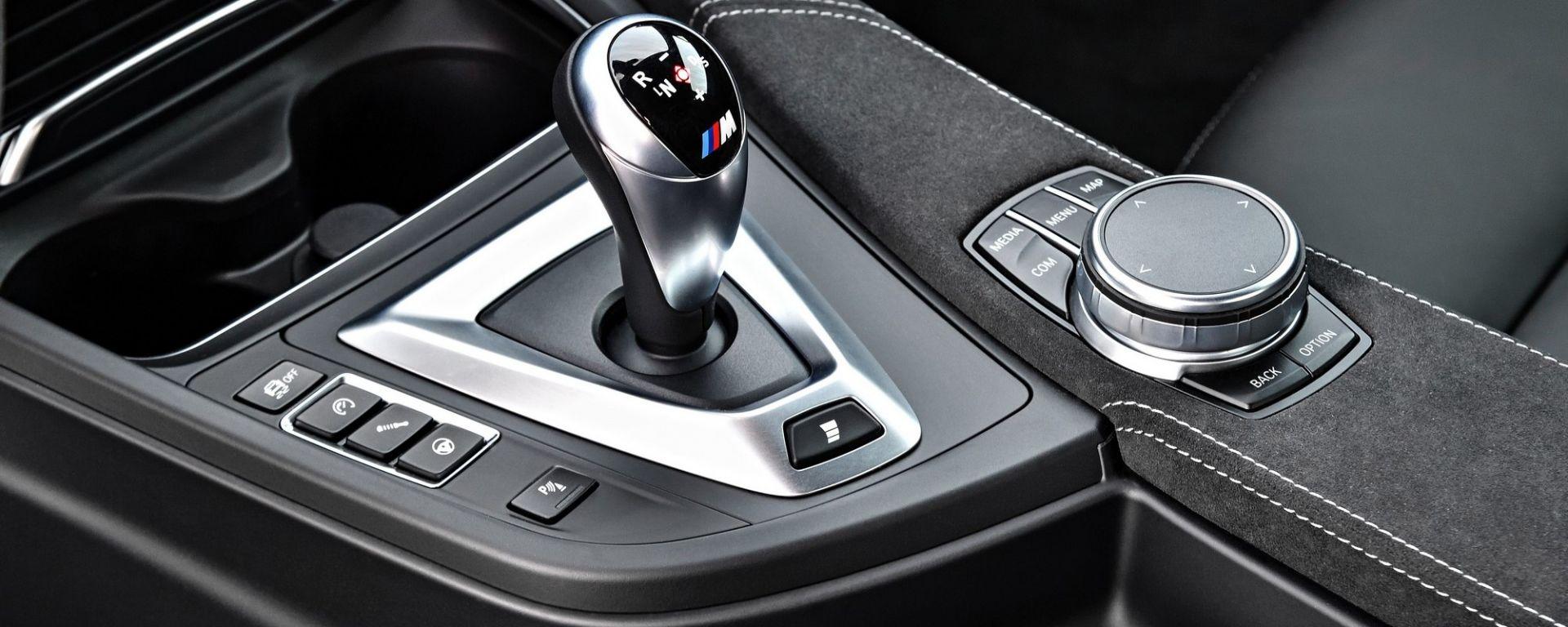 La leva di comando del cambio M DKG della BMW M4 CS