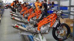 La linea di produzione di KTM a Mattighofen, Austria