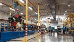 La linea di produzione MV Agusta di Schiranna, Varese