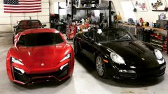 La Lykan Hypersport in fibra di vetro e la Porsche Boxster S