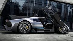 La Mercedes-AMG One con le portiere aperte