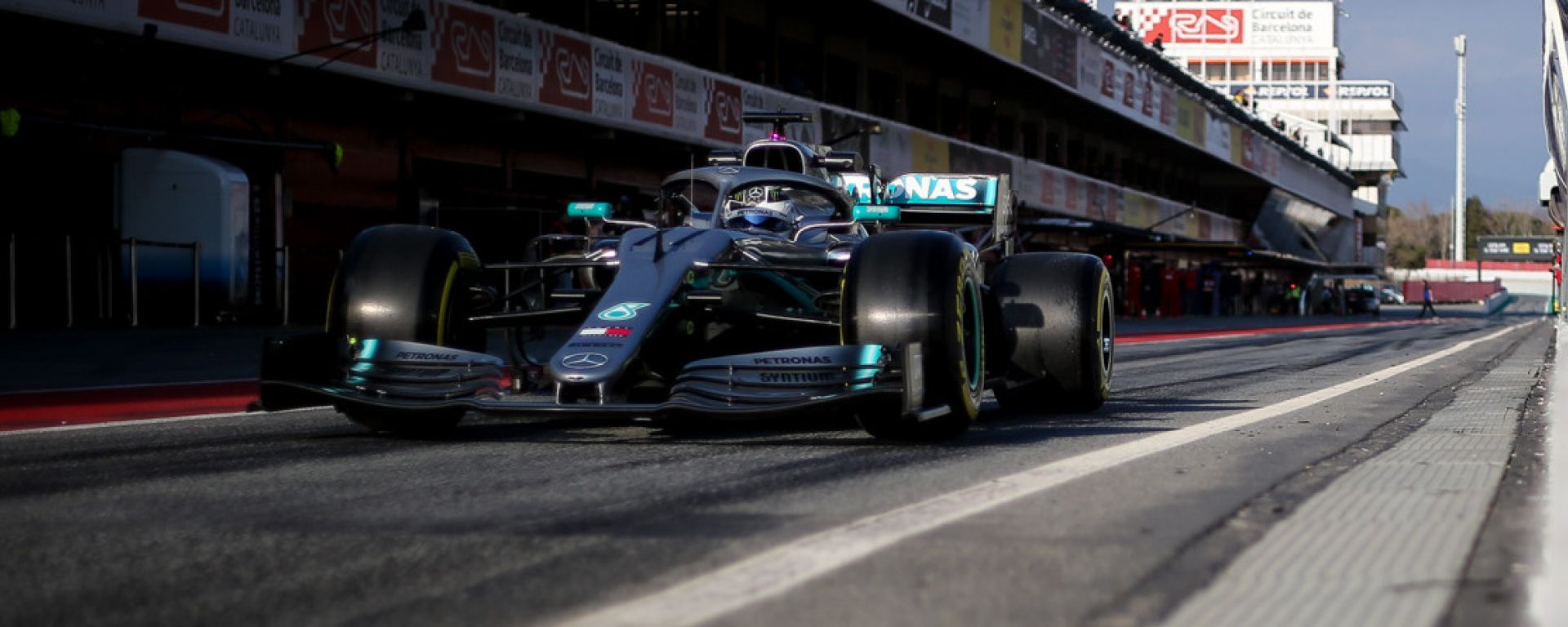 La Mercedes W10 durante i test F1 2019 di Barcellona