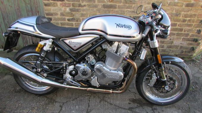 La Norton Commando 961