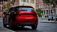 La nuova Mazda CX-5: vista 3/ posteriore