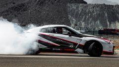 La nuova Nissan GT-R Nismo in drift
