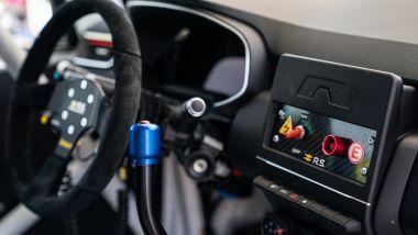 La nuova Renault Clio Cup 2021: gli interni, la strumentazione e il cambio sequenziale a leva