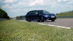 Volkswagen Golf R Variant 2021: foto, video, interni