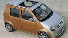 La Opel Concept con il tettuccio apribile