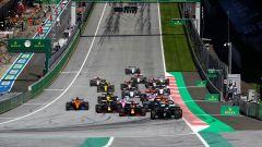 La partenza del Gran Premio d'Austria 2020 al Red Bull Ring, dove domenica si correrà il GP della Stiria