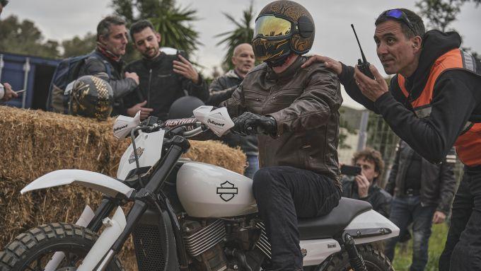 La partenza della Hill Climb di Harley-Davidson all'evento Triple S