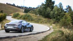 La Porsche 718 Cayman Tsi collocherà in gamma tra la Cayman S e la GTS