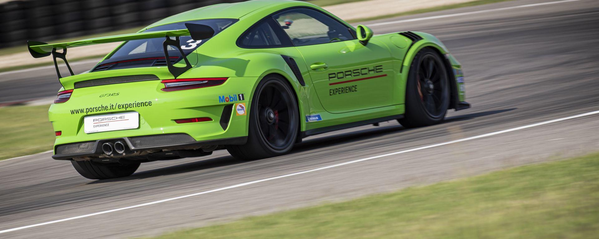 La Porsche GT3 RS: 520 CV e 312 all'ora di velocità massima