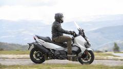 La posizione corretta in sella allo scooter