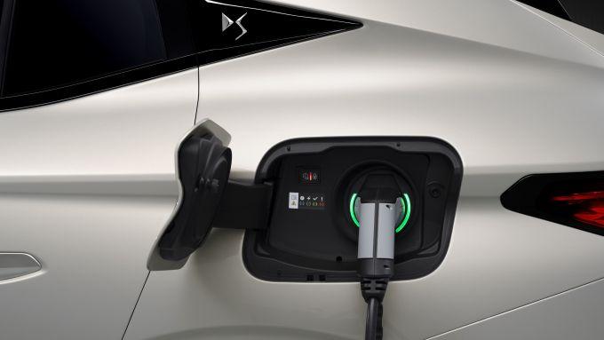 La presa di ricarica di DS 4 E-Tense plug-in hybrid