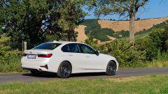 La prova della BMW 330e Sport 2020