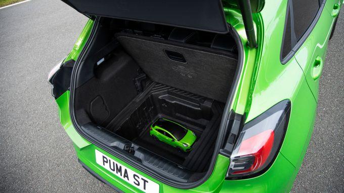 La Puma RC entra agevolmente nel MegaBox della Ford Puma ST