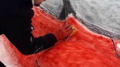 La realizzazione della LaFerrari fatta con la neve per San Valentino