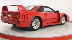 La replica di Ferrari F40 di 3/4 posteriore