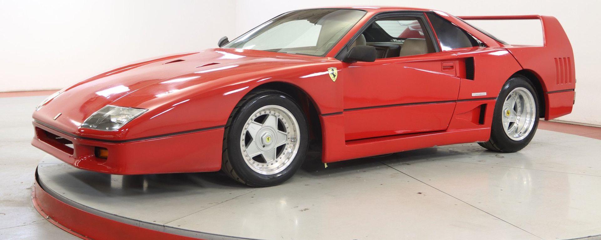 La replica di Ferrari F40 nasconde una Pontiac Fiero