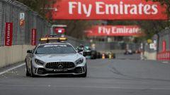 La Ferrari domina il GP d'Azerbaijan, ma Verstappen e Grosjean...
