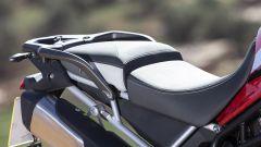 La sella della Triumph Tiger 900 è regolabile in altezza