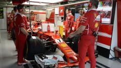 La SF70H di Kimi Raikkonen ai box