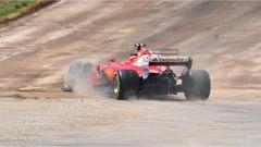 La sospensione rotta sulla Ferrari di Kimi Raikkonen - F1 2017 GP Spagna