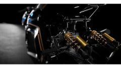 La sportiva BMW del futuro: un dettaglio delle sospensioni Ohlins