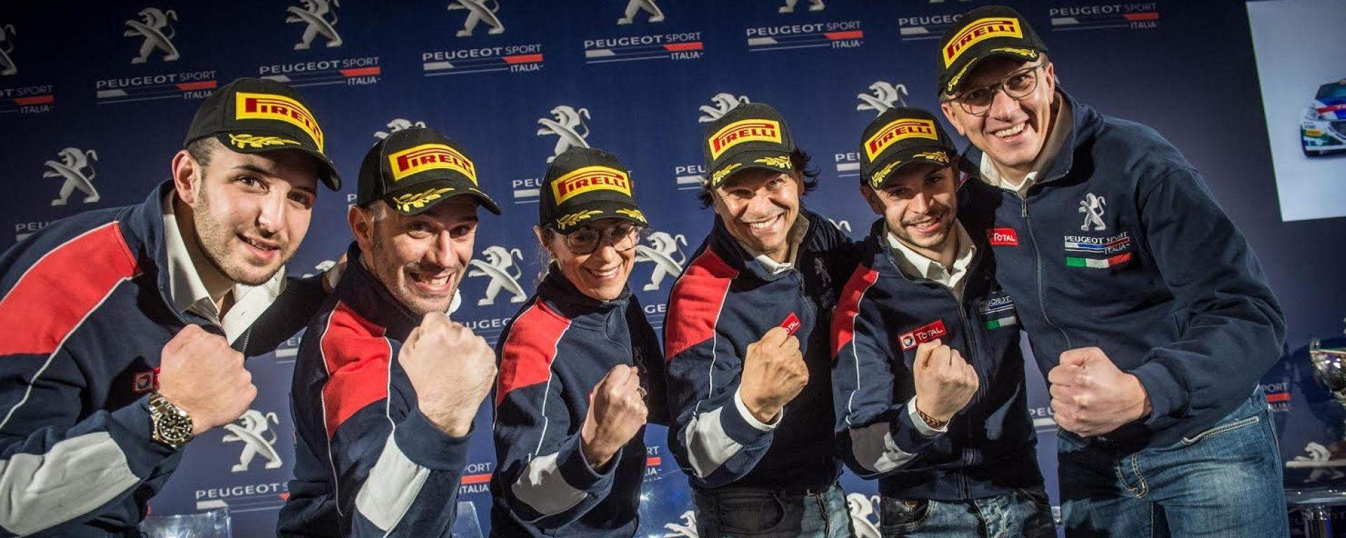 La squadra di Peugeot Sport Italia al completo