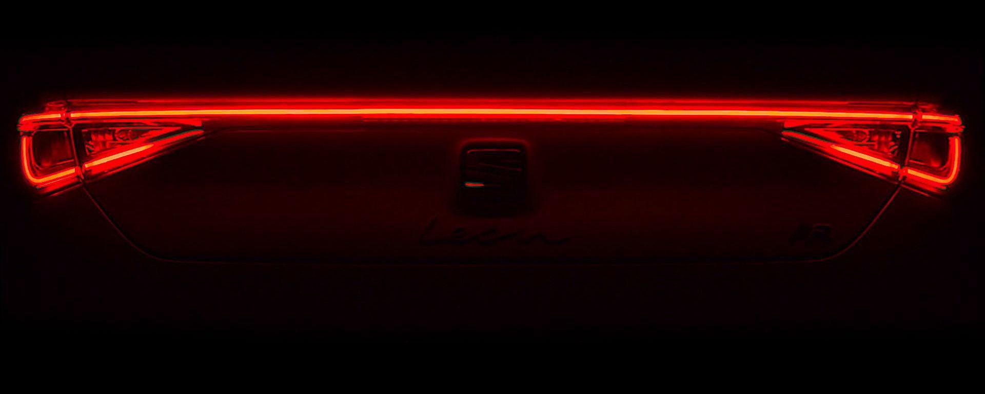 La striscia a LED che caratterizza il posteriore della nuova Seat Leon 2020