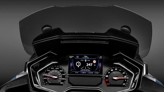 La strumentazione del nuovo Peugeot Metropolis 400