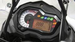 La strumentazione della Benelli TRK 502 X 2020 ha il tachimetro con sfondo bianco