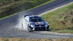 La Volkswagen Polo R WRC in azione sulle strade asfaltate del Rally di Germania