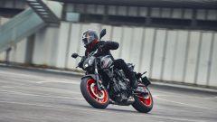 La Yamaha MT-07 2021 in azione