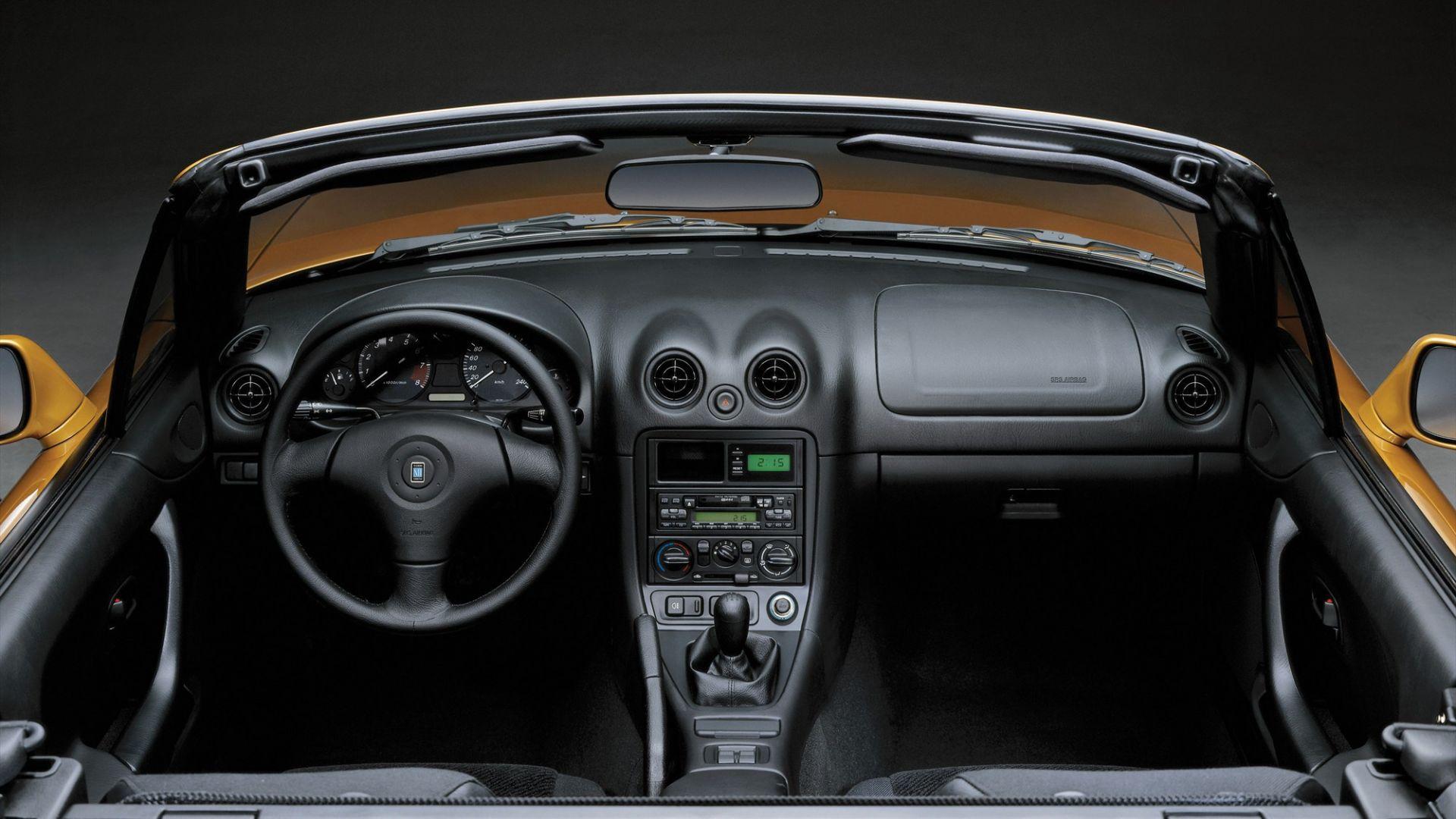 Guida usato abitacolo e interni della mazda mx 5 motorbox for Guida interni