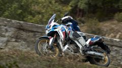 L'Africa Twin Adventure Sports 2020 affronta una salita