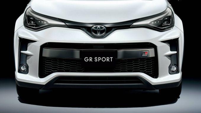 L'aggressivo frontale del C-HR GR Sport