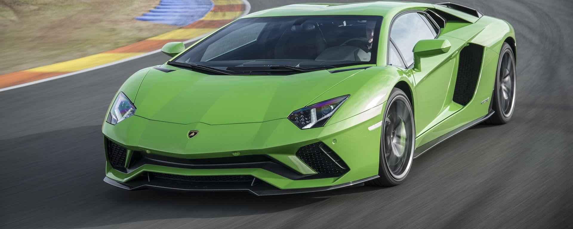 Lamborghini Aventador 2021: la supercar italiana sarà elettrificata