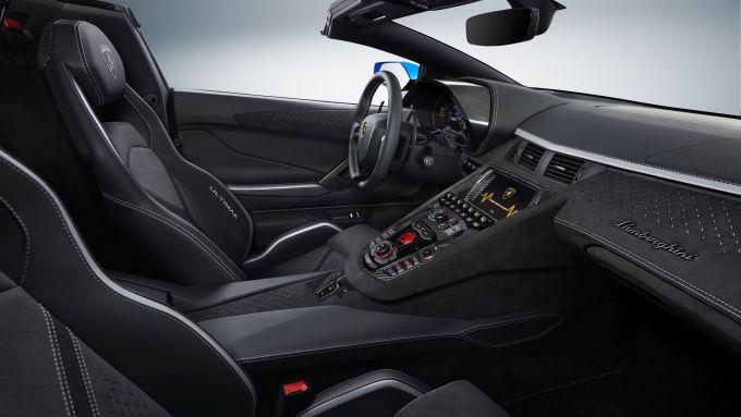 Lamborghini Aventador LP 780-4 Ultimae Roadster: gli interni