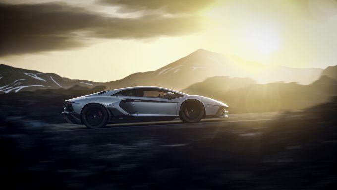 Lamborghini Aventador LP 780-4 Ultimae: visuale laterale