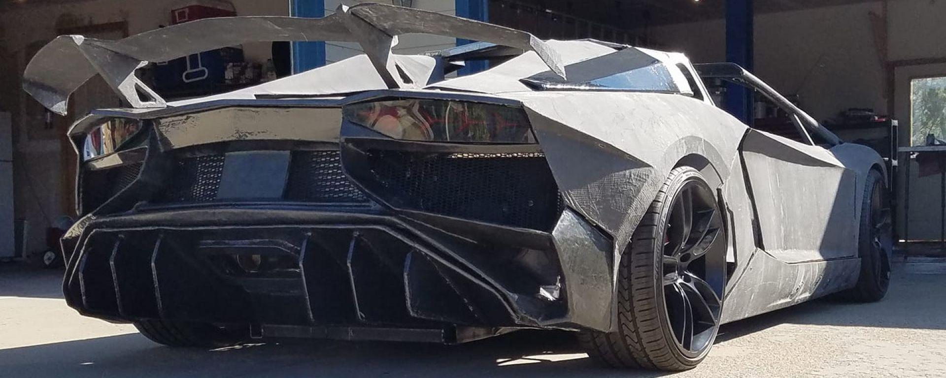 Lamborghini Aventador stampata in 3D: visuale di 3/4 posteriore